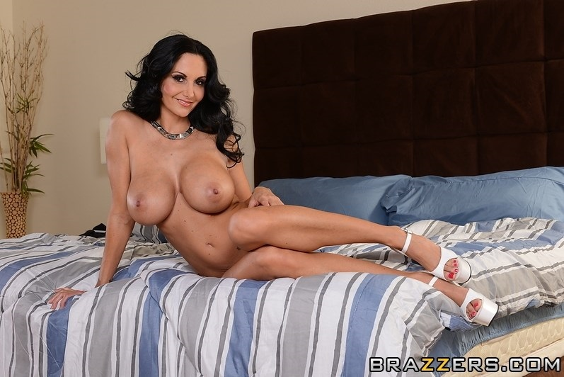 ava addams height